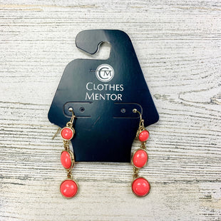 Primary Photo - BRAND:    CLOTHES MENTOR STYLE: EARRINGS COLOR: CORAL OTHER INFO: 3 DANGLE CIRCLES SKU: 258-258100-660