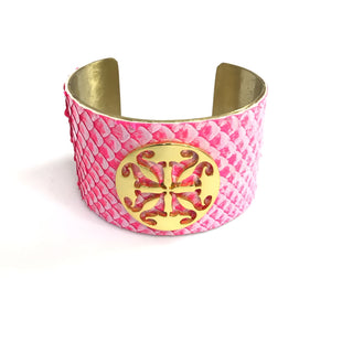 Primary Photo - BRAND: RUSTIC CUFF STYLE: BRACELET COLOR: PINK OTHER INFO: CUFF SNAKEPRINT LIKE W GOLD HARDWARE SKU: 258-25885-32745
