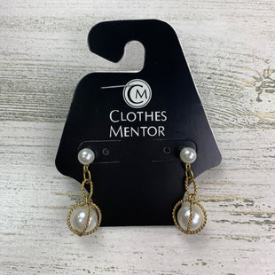 Primary Photo - BRAND:  CME STYLE: EARRINGS COLOR: PEARL OTHER INFO: 18 SKU: 258-258111-3800