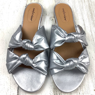 Primary Photo - BRAND: COMFORTVIEW STYLE: SANDALS FLAT COLOR: SILVER SIZE: