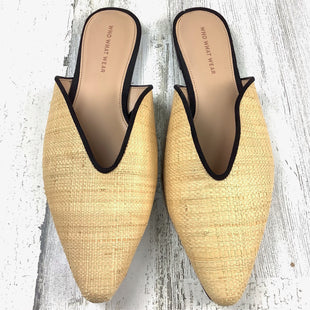 Primary Photo - BRAND: WHO WHAT WEAR STYLE: SHOES FLATS COLOR: BEIGE SIZE: 11 SKU: 258-25873-37708