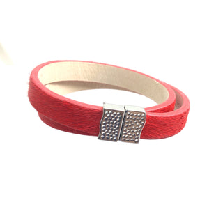 Primary Photo - BRAND: RUSTIC CUFF STYLE: BRACELET COLOR: RED SKU: 258-25877-18920