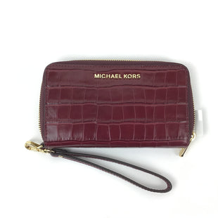 Primary Photo - BRAND: MICHAEL BY MICHAEL KORS STYLE: WRISTLET COLOR: BURGUNDY OTHER INFO: RETAIL $178.00 SKU: 258-258113-7606