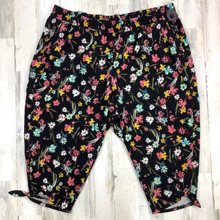 Primary Photo - BRAND: LANE BRYANT STYLE: CAPRIS COLOR: BLACK SIZE: 3X OTHER INFO: NWT! FLORAL SKU: 258-25877-21474