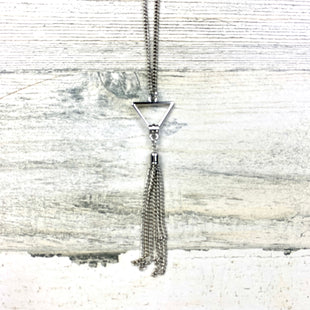 Primary Photo - BRAND:  CMF STYLE: NECKLACE COLOR: SILVER OTHER INFO: TRIANGLE W TASSEL SKU: 258-258100-1328
