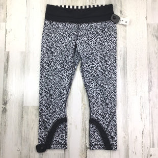 Primary Photo - BRAND: LULULEMON STYLE: ATHLETIC CAPRIS COLOR: BLACK WHITE SIZE: 6 SKU: 258-25871-11450