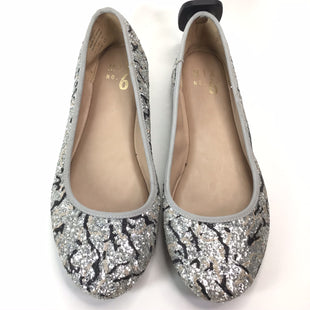 Primary Photo - BRAND: MIX NO 6 STYLE: SHOES FLATS COLOR: SILVER SIZE: 7. OTHER: * BS *SKU: 258-258113-7421.