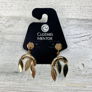 Primary Photo - BRAND:    CLOTHES MENTOR STYLE: EARRINGS COLOR: GOLD OTHER INFO: PANACEA DANGLES SOLID GOLD SKU: 258-25885-24373