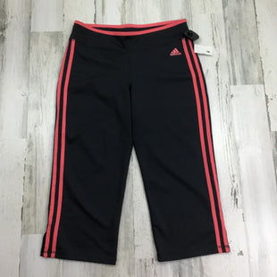 Primary Photo - BRAND: ADIDAS STYLE: ATHLETIC CAPRIS COLOR: GREY SIZE: M OTHER INFO: PINK SIDE STRIPED SKU: 258-25873-35739