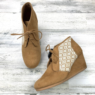 Primary Photo - BRAND: MAURICES STYLE: BOOTS ANKLE COLOR: TAN SIZE: 10 OTHER INFO: WEDGES SUEDE LIKE SKU: 258-258111-8637