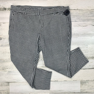Primary Photo - BRAND: OLD NAVY STYLE: PANTS COLOR: WHITE BLACK SIZE: 18 SKU: 258-258111-7476