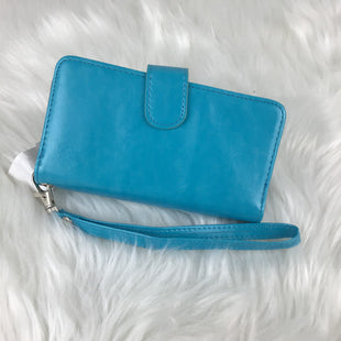 Primary Photo - BRAND:    CLOTHES MENTOR STYLE: WRISTLET COLOR: BLUE OTHER INFO: PHONE CASE , WALLET, CARD HOLDERSKU: 258-258100-2651