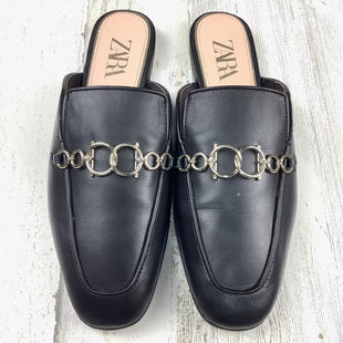 Primary Photo - BRAND: ZARA WOMEN STYLE: SHOES FLATS COLOR: BLACK SIZE: 11 OTHER INFO: SLIP ON W/ CHAIN DETAIL SKU: 258-25877-18539