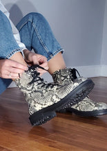 Load image into Gallery viewer, MONTANA snakeskin leather lace up lug boot
