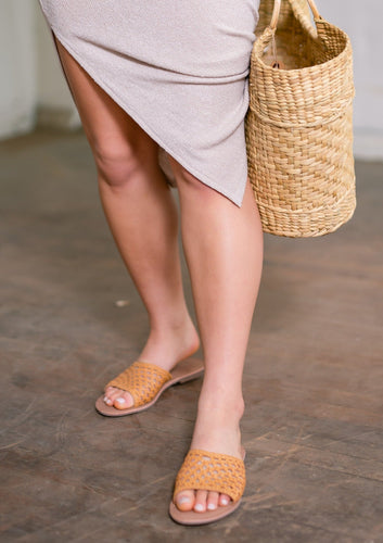 salt+umber Handwoven Leather Sandal in our signature open weave leather. Open weave design with slip-on style and our natural buff leather insole for maximum comfort. made in India
