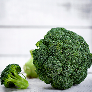 BROCCOLI (1 HEAD - APPROX 250G)
