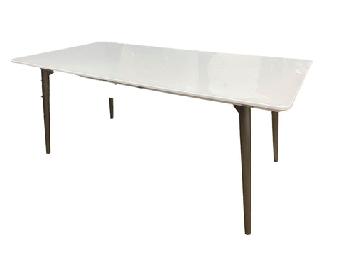 Juni Dining Table