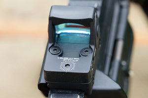 Red Dot reflex sight 3 MOA Fully Adjustable Brightness off to Very Bright, Great Pistol Sight.