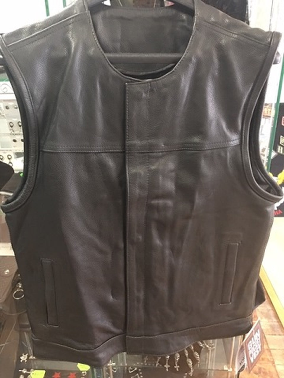 Men's Leather Vest Without Top Pockets Has No Collar 6674.00