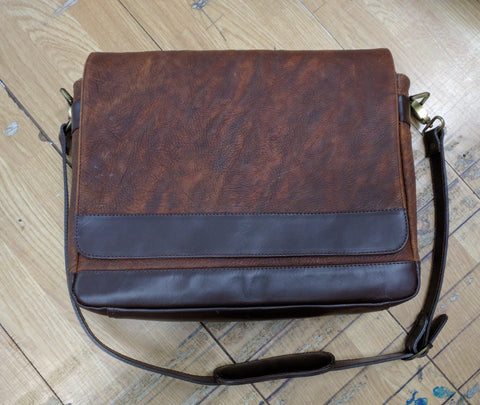 800 Messenger Bag