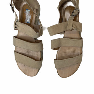 Primary Photo - BRAND: CORSO COSMO STYLE: SANDALS FLAT COLOR: TAN SIZE: 9 SKU: 299-29929-53922