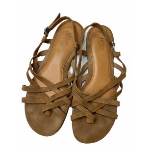Primary Photo - BRAND: UGG STYLE: SANDALS FLAT COLOR: CAMEL SIZE: 9 SKU: 299-29929-54353