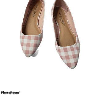 Primary Photo - BRAND: CHRISTIAN SIRIANO FOR PAYLESS STYLE: SANDALS FLAT COLOR: CHECKED SIZE: 7.5 SKU: 299-29950-11662