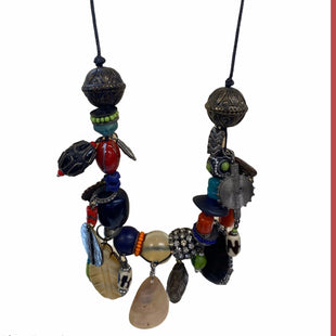Primary Photo - BRAND: CHICOS STYLE: NECKLACE COLOR: MULTI SKU: 299-29929-50811