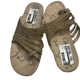 Primary Photo - BRAND: BARE TRAPS STYLE: SANDALS LOW COLOR: BEIGE SIZE: 7 SKU: 299-29981-196