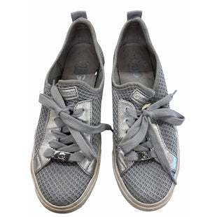 Primary Photo - BRAND: GUESS STYLE: SHOES FLATS COLOR: GREY SIZE: 7 SKU: 299-29950-11588