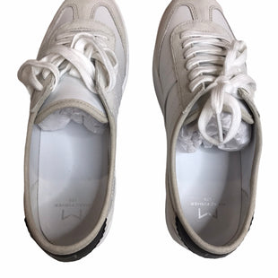 Primary Photo - BRAND: MARC FISHER STYLE: SHOES ATHLETIC COLOR: WHITE SIZE: 9 SKU: 299-29929-57978