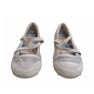 Primary Photo - BRAND: SKECHERS STYLE: SHOES FLATS COLOR: GREY SIZE: 6 SKU: 299-29950-11062