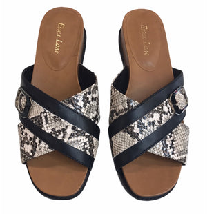 Primary Photo - BRAND:    ESSEX LANESTYLE: SANDALS LOW COLOR: SNAKESKIN PRINT SIZE: 10 SKU: 299-29929-59185