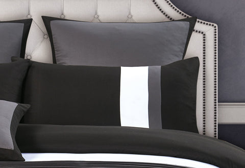 Super King Size Black and Grey Rich Pintuck Quilt Cover Set (3PCS)