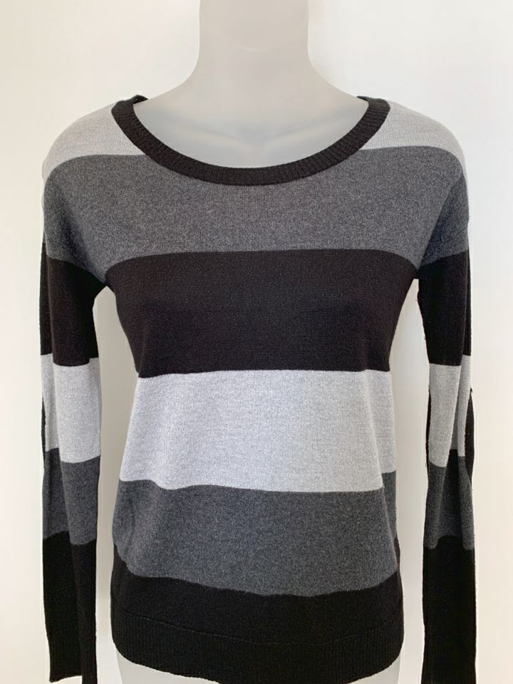 Kensie Size X-Small Grey Sweater