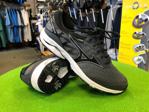 Mizuno Wave cadence Gore Tex Shoes