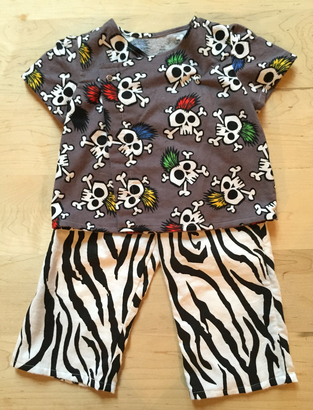 Skull and zebra set