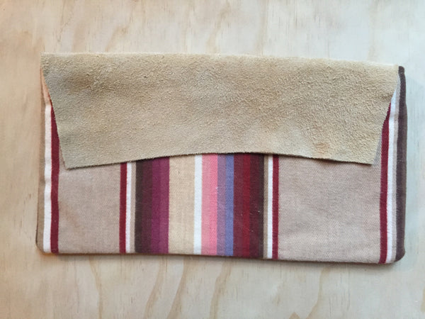 tan earth stripe clutch too