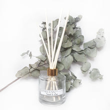 Load image into Gallery viewer, Gold Lid reed scented diffuser . Range of different scent to select from.