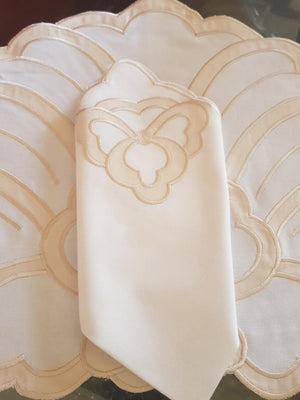 Flower Shaped Place Mat