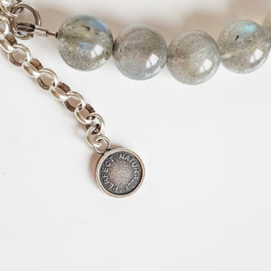 "Labradorite Silver Bracelet for Women ""The Guardian"" - 9 mm"