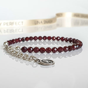 "Red Garnet Silver Bracelet for Women ""Vitality"" - Petit Secret"