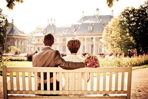 love couple bench