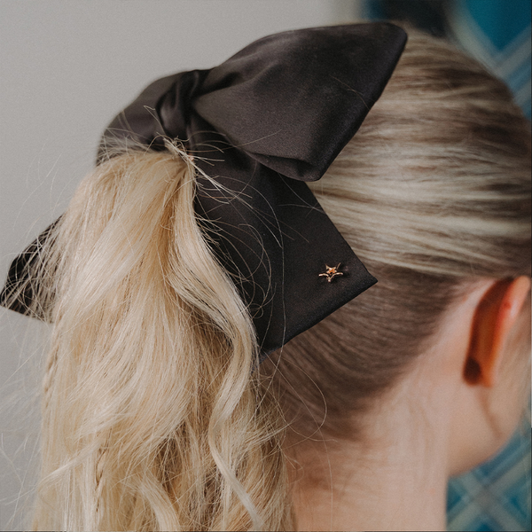 WAVER PLUS – Rosie Fortescue Bow Please