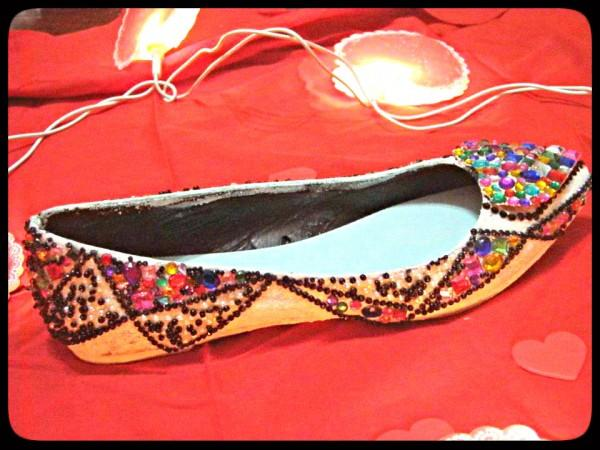 DIY rhinestone heart shoes!