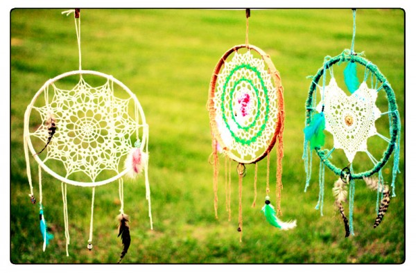 lune vintage dream catcher - be kind