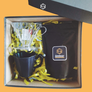 set de regalo con dripper, taza y café