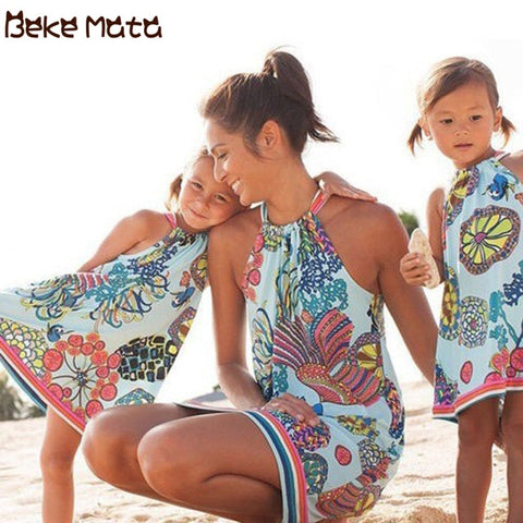 Image of Mother Daughter Dresses Summer 2020 Mommy And Me Clothes Beach Lacing Ocean Print Family Look Mom Girl Family Matching Outfits