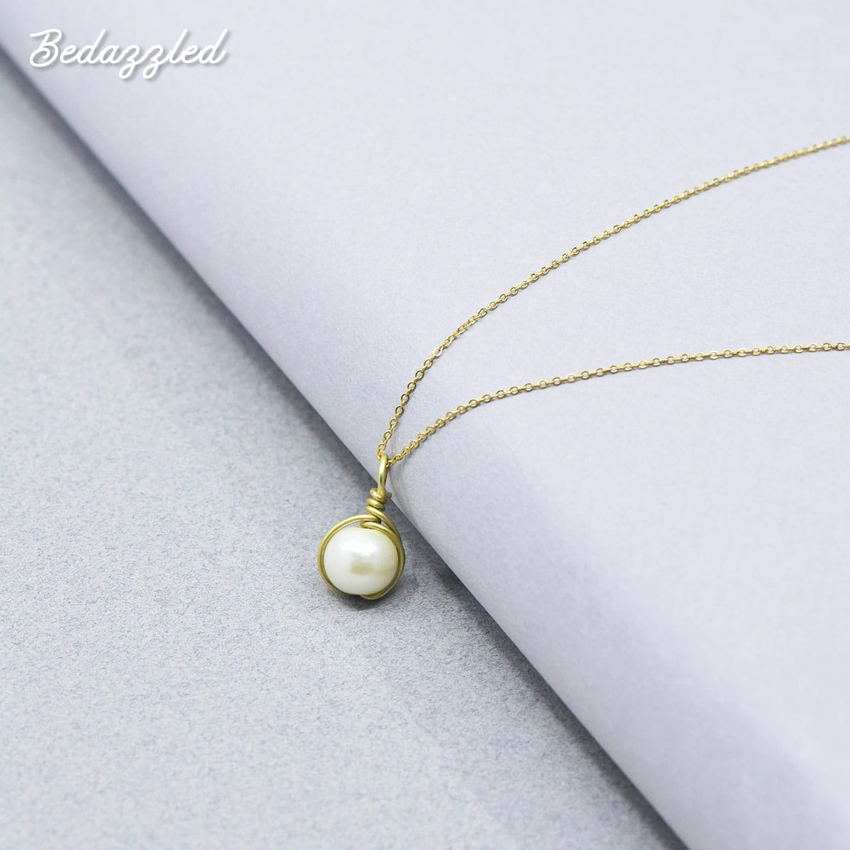 Bedazzling Pearl - Necklace