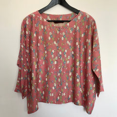 TOPS / round neck, button up / short length